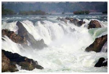 Good for sightseeing, bad for transport: the Mekong falls at Khone Phapheng